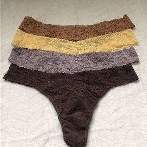 (4) Hanky Panky Signature Lace  Thongs